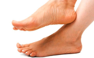 Как избавиться от обильной потливости и запаха ног