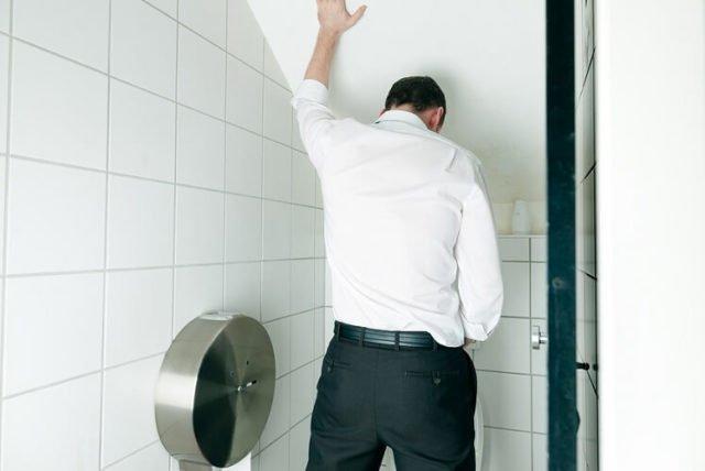 боль в туалете