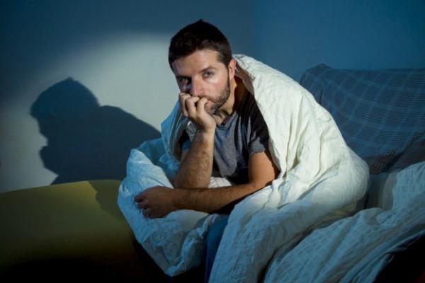 Чем вызван холодный пот ночью у мужчин?