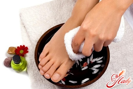 Эффективное средство от потливости ног у мужчин