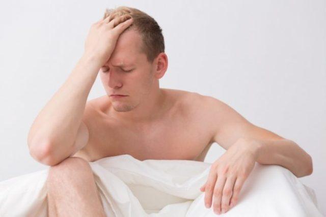 Почему во время полового акта падает член?