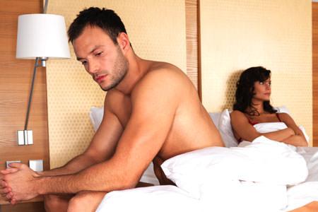 Почему пропадает эрекция во время секса у мужчин и что делать?