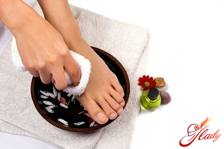 Ванночки для ног от запаха пота