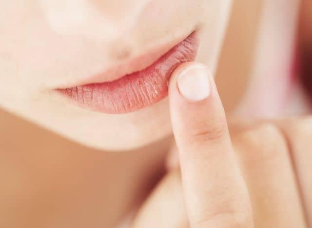 Опухла крайняя плоть — что делать?