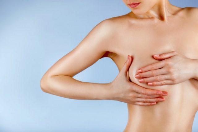 Шишка на кости грудной клетки